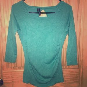 Turquoise quarter sleeve sweater